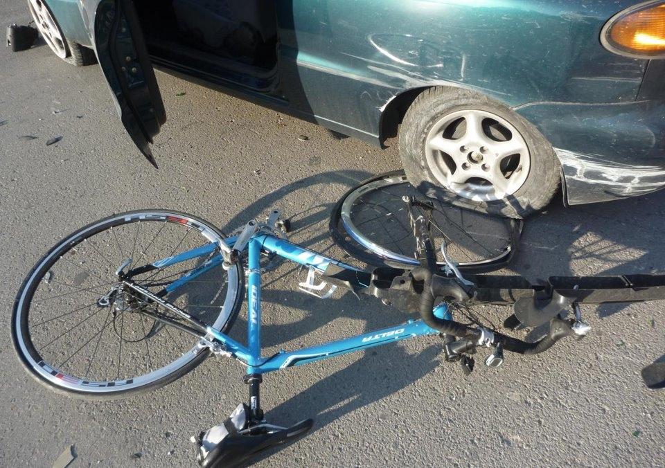 Ποδήλατο παρασύρθηκε από λεωφορείο χθες στο Βόλο