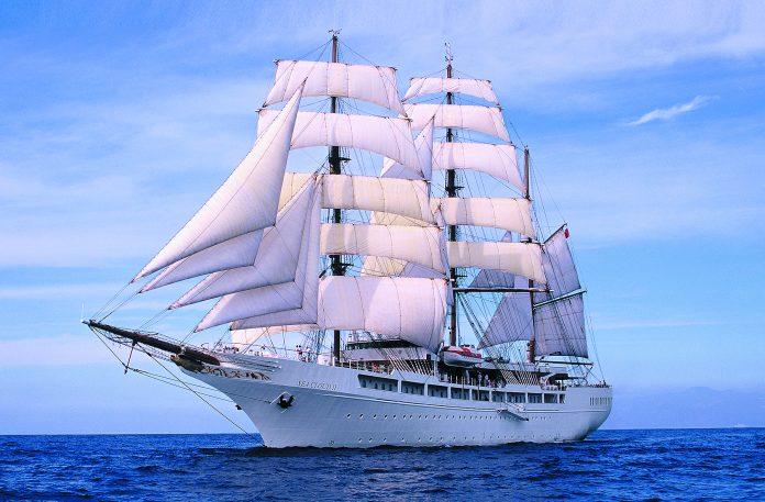 Στο λιμάνι του Βόλου έδεσε υπερπολυτελές ιστιοφόρο κρουαζιερόπλοιο με 60 επιβάτες