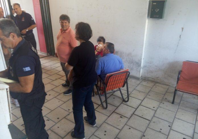 Ελεύθερη πτώση έκανε το ασανσέρ στην ΔΟΥ Βόλου - Μία γυναίκα τραυματίστηκε