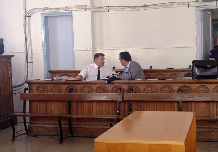 Σε αναβολή οδηγήθηκε στο Βόλο η δίκη του επιχειρηματία που κατηγορείται για επίθεση σε ελεγκτές της εφορίας