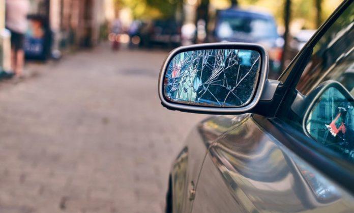 Στο εδώλιο του κατηγορούμενου 35χρονος Βολιώτης που έσπασε 13 καθρέφτες αυτοκινήτων!
