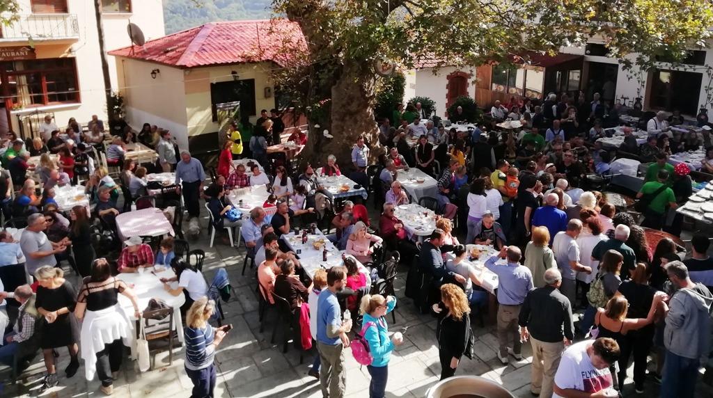 Πολύς κόσμος στη γιορτή μανιταριού και βοτάνων στη Μακρυρράχη