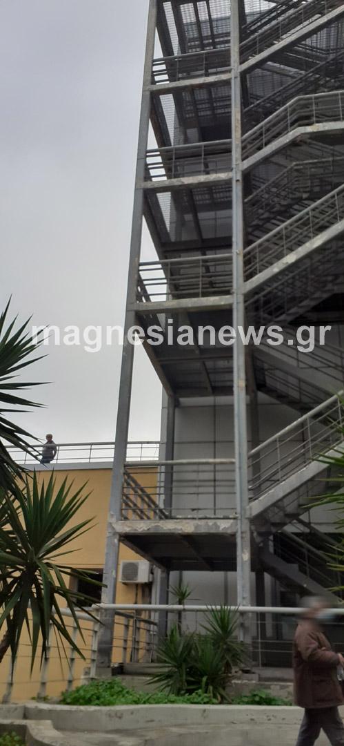 nosokomeio aytoktonia 2 - Γιατρός αυτοκτόνησε πέφτοντας απ' τον 5ο όροφο